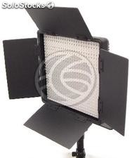 600 LED Panel 36W 5600K Continuous light with barn (EU91)