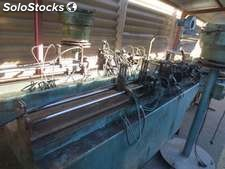 A machine to insert droppers of 12 mm completes, with winder out, a vibrator, a