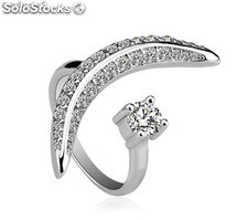 Adjustable rhodium plated ring with Cubic Zircon..