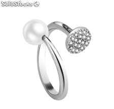 Adjustable rhodium plated ring with Cubic Zircon. y perla natural.