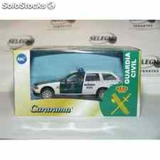 Bmw 325i touring guardia civil escala 1/43