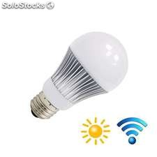 Bombilla led e27 9w chip samsung sensor movimiento y luminosidad blanco neutro