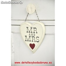 Cartel Mr & Mrs Corazon Rojo. Detalles y complementos