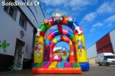 Castillo hinchable multiarcos