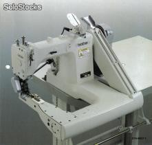 Cerradora de codo BROTHER DT6-B925-7A
