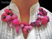 Collares con fieltro y mix de materiales