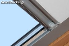 Cortina enrollable compatible con velux