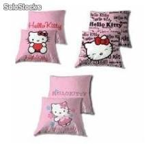 "Cuscini, plaid, asciugamani ""hello kitty"""