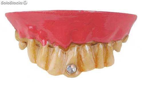 Dentadura con diamante