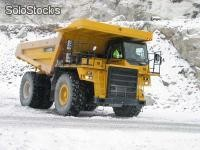 Dumpers rigides : HD605-7