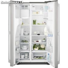Electrolux EAL6140WOU side by side americano inox 1.77M no frost dispensador a+