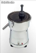 Extractor de jugos international	en acero inoxidable
