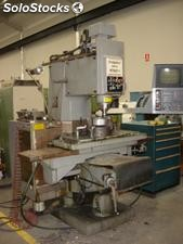 Fresadora Vertical CNC Bridgeport Series II Interact 4