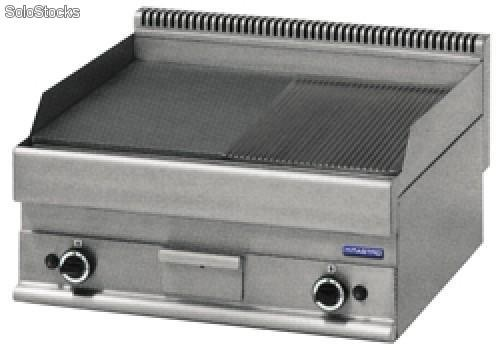 Gas grill 361 dm2 1 2 platte 1 2 ripps for Grill mit platte