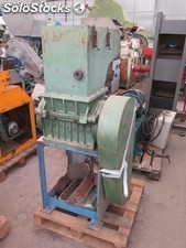 Grinder, Margarit brand with cutting chamber 300 x 300 with rotor closed.