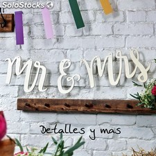 Guirnalda de madera Mr and Mrs. Guirnaldas para bodas. Decoracion para bodas