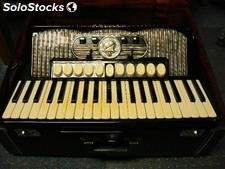 Hohner Gola 414 Accordion built in Germany in 1962---------6000Euro