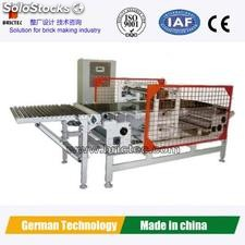 Horizontal synchronous tile cutter