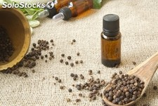 Huile essentielle de piment (Piper nigrum (Black pepper) Seed Oil )