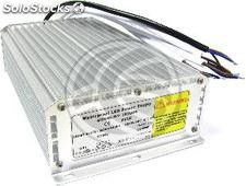 Industrial supply 12VDC IP67 16A 3 out (VF18)