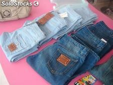 Jeans firmati donna in stock