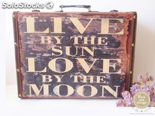Maleta vintage · Live by the sun love by the moon