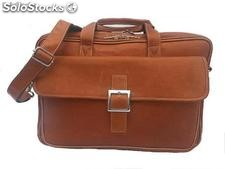 Maletin portacomputador en cuero. Leather laptop briefcase.