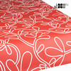 Mantel resinado floral rojo by Loom In Bloom