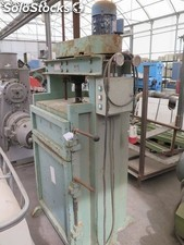 Mechanical press for making bales, brand Jose Roig SA, model R-64. Measures of
