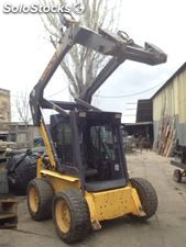 Minicargadora seminueva New Holland LS 170