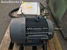 Moteur, marque Inge, Soll Rand. 25,3kw a 2920 rpm.