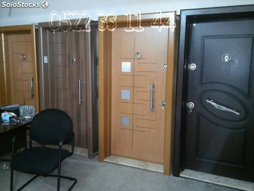 Porte blind e casablanca - Porte appartement bois ...