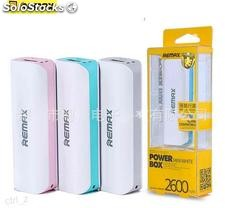 Power Bank económico con cable cajita diferentes colores surtidos barato remax