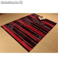 Red/black stripes. alfombra de piel. - home