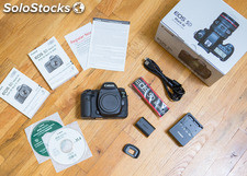 Selling Canon 5D Mark iii/Canon 5D Mark iv 24-105mm lens