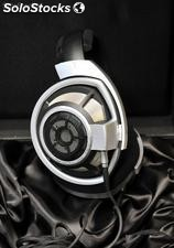 Sennheiser hd 800 Dynamic Open-Back Stereo Headphones---500Euro