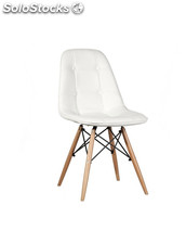 Silla de diseño, eames tower wood, con carcasa tapizada en,color blanco.