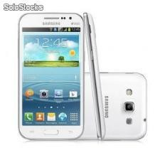 Smartphone Samsung Galaxy Win Duos I8552 - Android 4.1, Câmera 5MP, Quad-Core