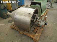 Stainless steel hopper, 200 liters, stripper and endless output with 1CV gear