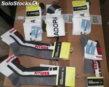 Stock 90 000 chaussettes