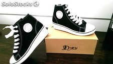 Stock sneakers donna