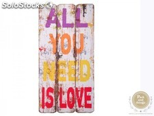 "Tabla de madera · ""All You Need Is Love"""