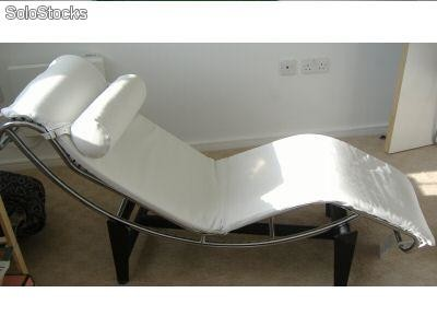 Chaise Longue Le Corbusier Vendo on le corbusier modulor, le corbusier bed, le corbusier table, le corbusier barcelona, le corbusier art, le corbusier lounge, le corbusier lamp, le corbusier club chair, le corbusier chair dimensions, le corbusier loveseat, le corbusier ville radieuse, le corbusier recliner, le corbusier ville contemporaine, le corbusier stool, le corbusier armchair, le corbusier bench, le corbusier architecture, le corbusier furniture, le corbusier books, le corbusier desk,
