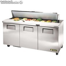 UK : True Salad Prep Counter 3 doors 18x1/6 GN pan top