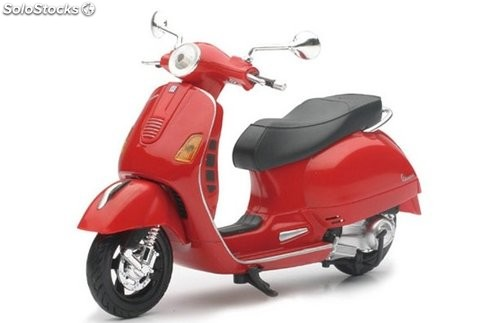 Vespa Gts-300 súper 1 New Ray 1/12