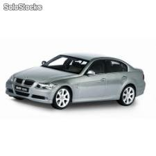 Welly 1:18 bmw 330i