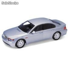 Welly 1:18 bmw 745i