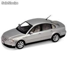 Welly 1:18 vw - volkswagen passat sedan 2001