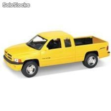 Welly 1:24 dodge ram quad cab 1500 sport