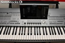 Yamaha Tyros 5 Professional Keyboard synthesizer '76